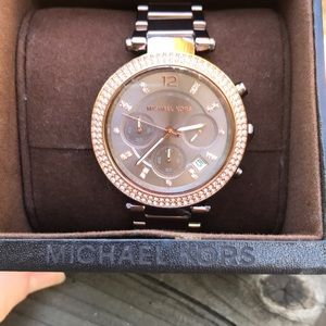 💕💕Michael Kors Watch-NEVER WORN💕💕